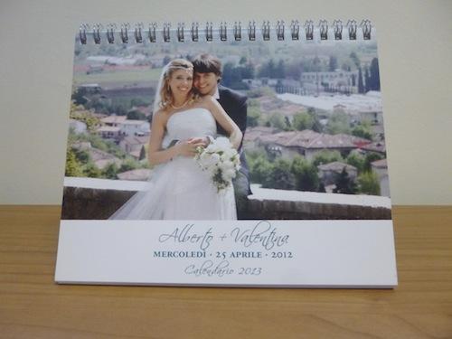 Calendario personalizzato con le foto del matrimonio.